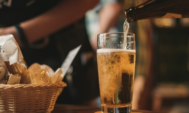 Can you drink beer on blood thinners?